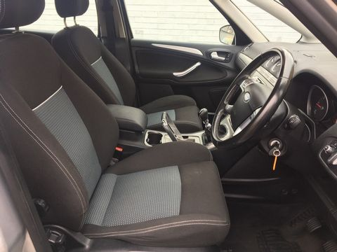2010 Ford S-Max 2.0 TDCi Zetec 5dr - Picture 15 of 34