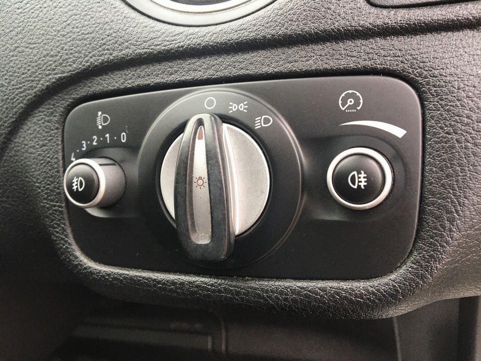 2010 Ford S-Max 2.0 TDCi Zetec 5dr - Picture 27 of 34