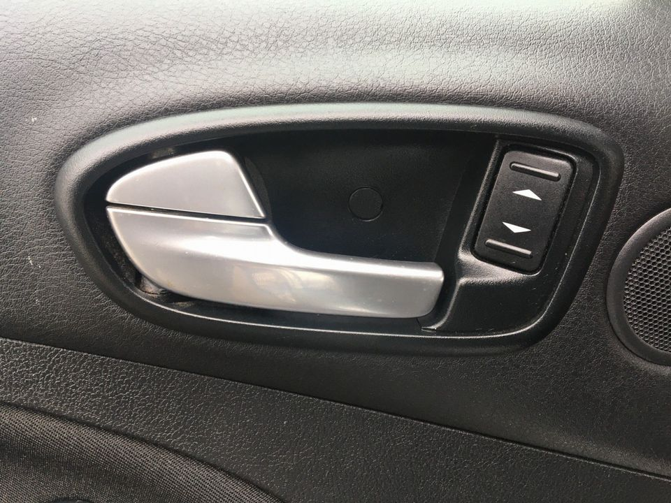2010 Ford S-Max 2.0 TDCi Zetec 5dr - Picture 31 of 34