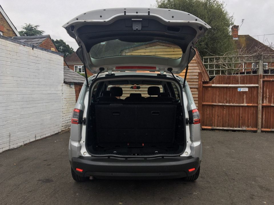 2010 Ford S-Max 2.0 TDCi Zetec 5dr - Picture 9 of 34