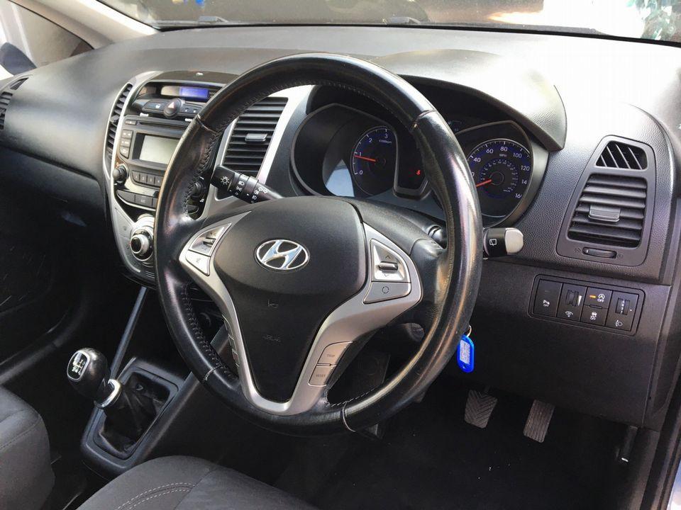 2014 Hyundai ix20 1.6 CRDi Style 5dr - Picture 12 of 35