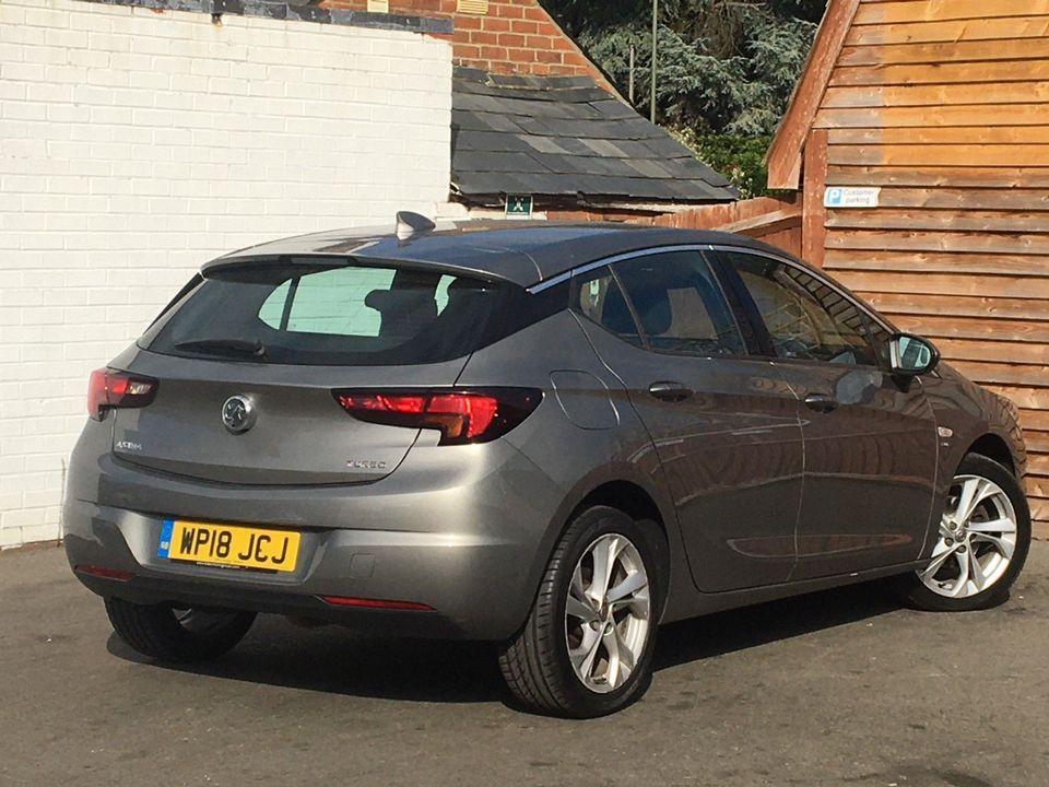 2018 Vauxhall Astra 1.4i Turbo SRi Nav 5dr - Picture 4 of 8