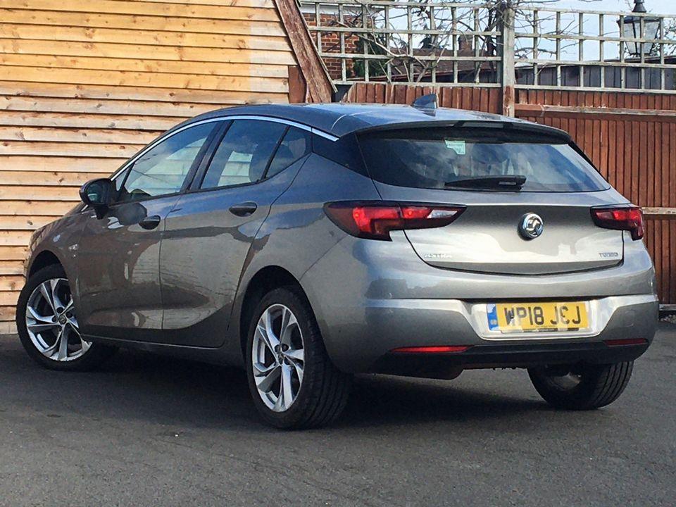 2018 Vauxhall Astra 1.4i Turbo SRi Nav 5dr - Picture 6 of 8