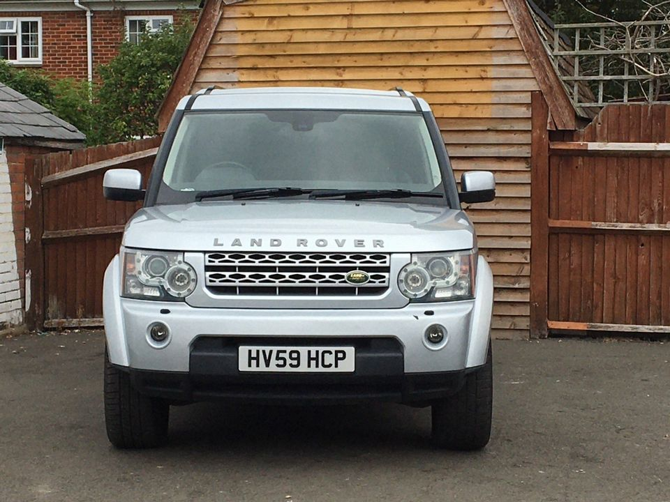 2009 Land Rover Discovery 4 3.0 SD V6 GS Auto 4WD 5dr - Picture 2 of 15