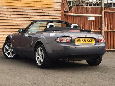 2005 Mazda MX-5 2.0i (Option Pack) 2dr - Picture 15 of 31