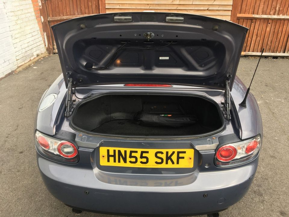 2005 Mazda MX-5 2.0i (Option Pack) 2dr - Picture 16 of 31