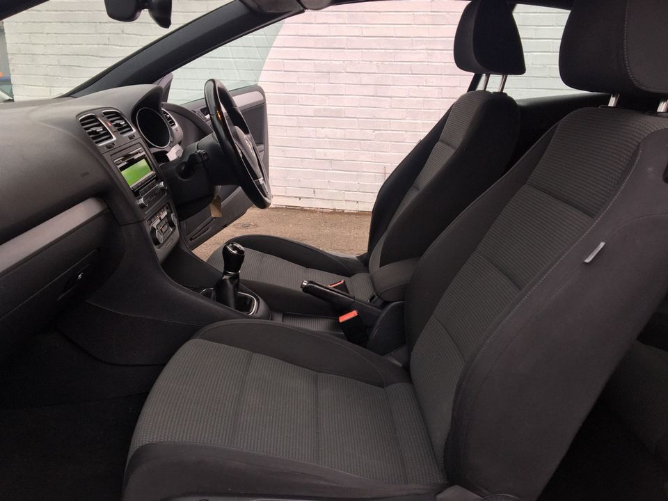 2012 Volkswagen Golf 1.6 TDI BlueMotion Tech S Cabriolet (s/s) 2dr - Picture 23 of 40