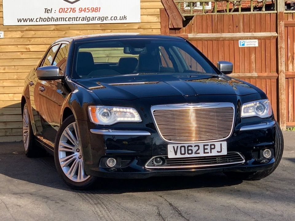 2012 Chrysler 300C 3.0 TD Executive 4dr - Picture 1 of 28