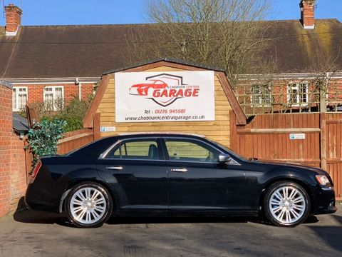 2012 Chrysler 300C 3.0 TD Executive 4dr - Picture 6 of 28
