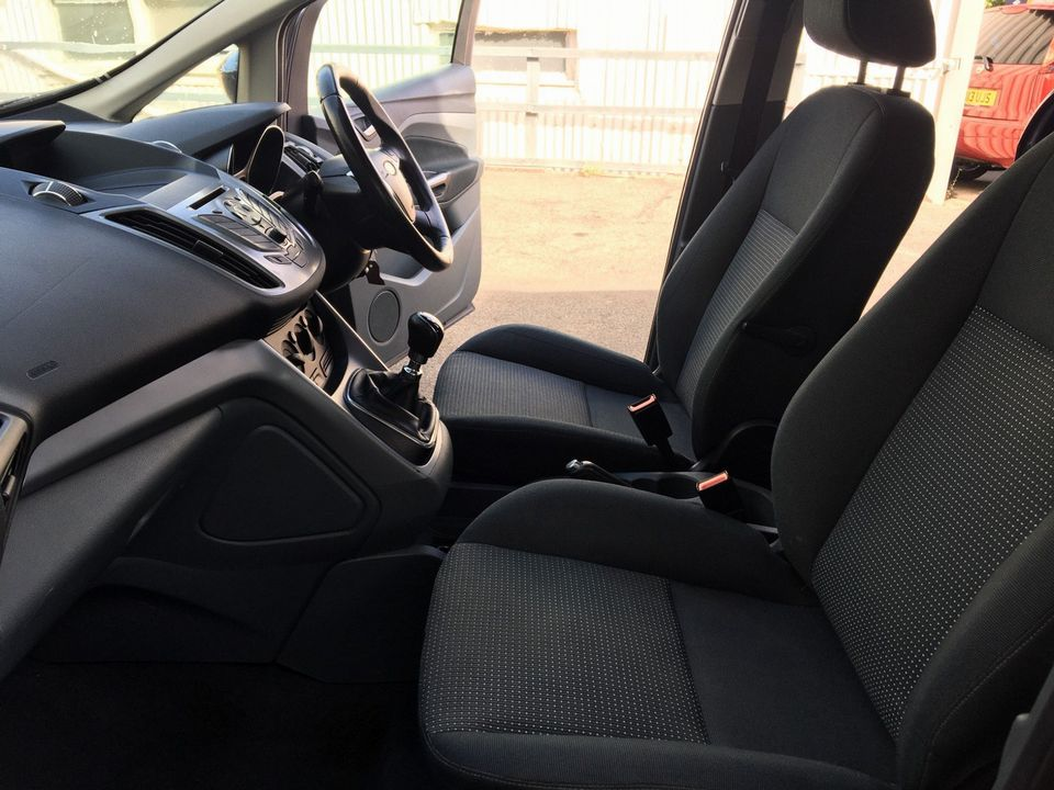 2011 Ford Grand C-Max 1.6 TDCi Zetec 5dr - Picture 15 of 29