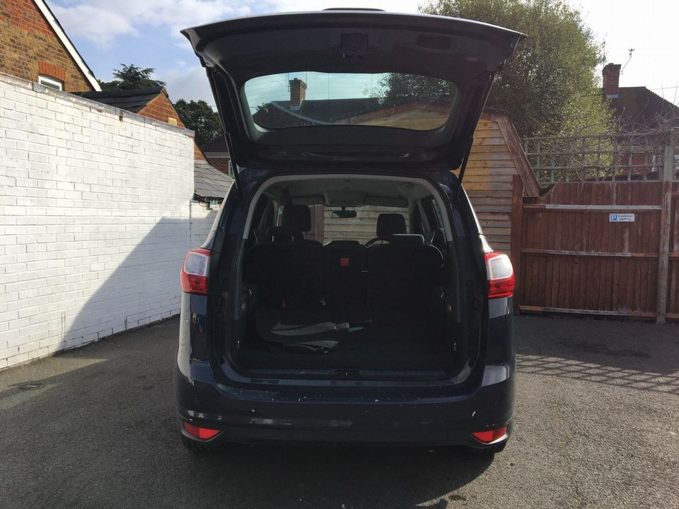 2011 Ford Grand C-Max 1.6 TDCi Zetec 5dr - Picture 9 of 29