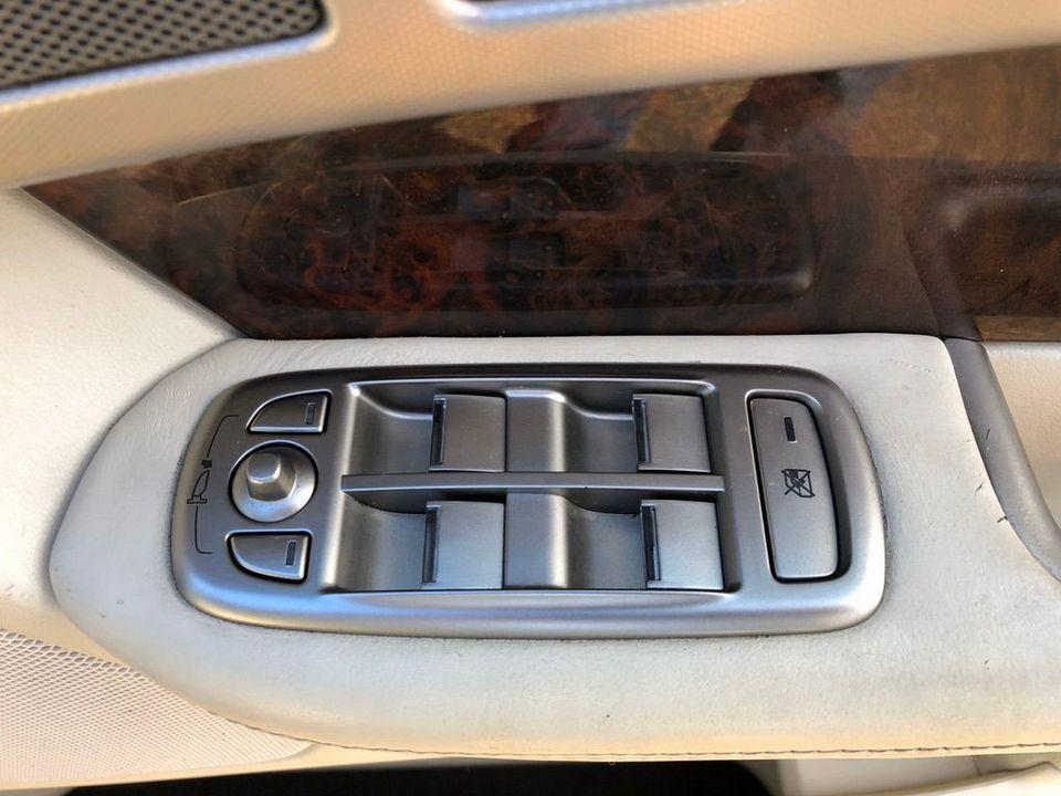 2008 Jaguar XF 2.7 TD Premium Luxury 4dr - Picture 31 of 37