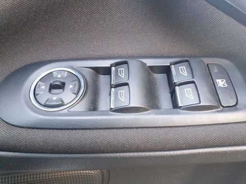 2009 Ford S-Max 2.2 TDCi Titanium 5dr - Picture 18 of 27