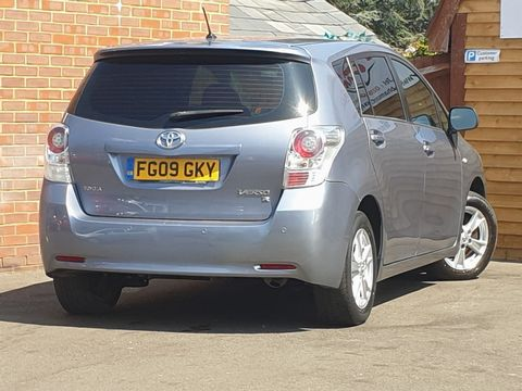 2009 Toyota Verso 1.8 V-Matic TR 5dr - Picture 10 of 30
