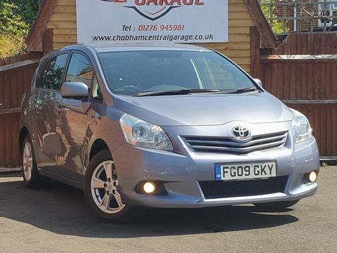 2009 Toyota Verso 1.8 V-Matic TR 5dr - Picture 1 of 30