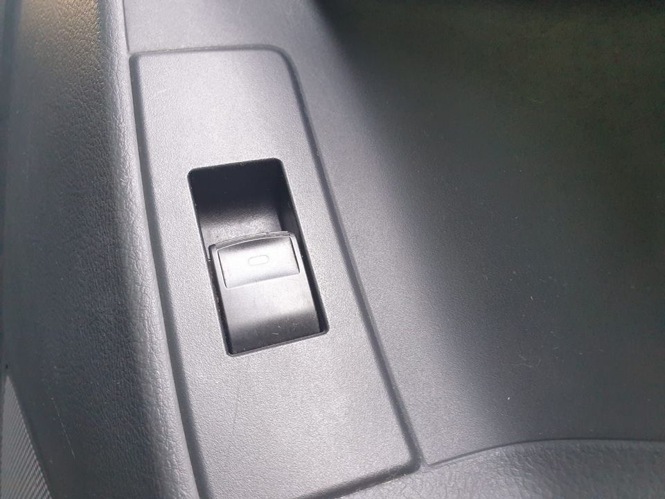 2009 Toyota Verso 1.8 V-Matic TR 5dr - Picture 21 of 30