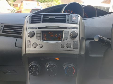2009 Toyota Verso 1.8 V-Matic TR 5dr - Picture 24 of 30