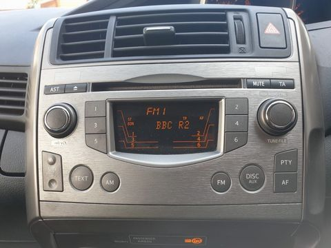 2009 Toyota Verso 1.8 V-Matic TR 5dr - Picture 25 of 30