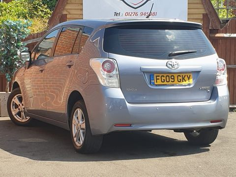 2009 Toyota Verso 1.8 V-Matic TR 5dr - Picture 8 of 30