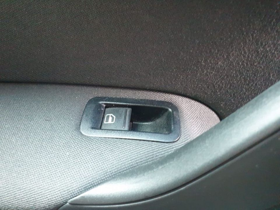 2012 Volkswagen Polo 1.2 Match 5dr - Picture 14 of 24
