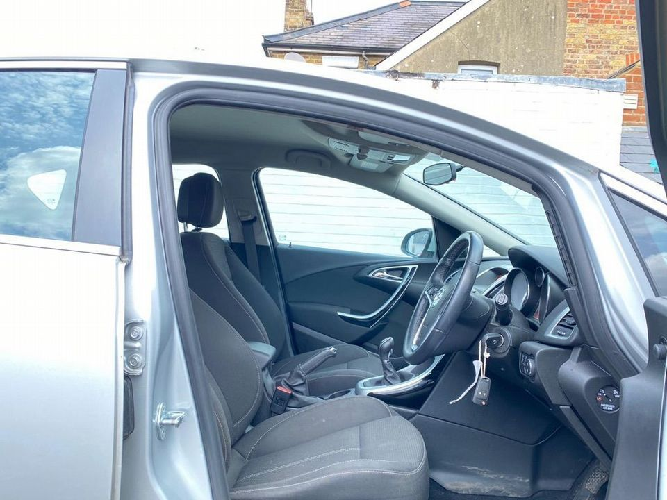 2013 Vauxhall Astra 2.0 CDTi ecoFLEX SRi (s/s) 5dr - Picture 19 of 35