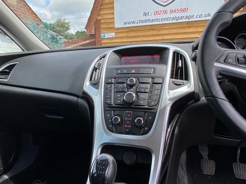 2013 Vauxhall Astra 2.0 CDTi ecoFLEX SRi (s/s) 5dr - Picture 23 of 35