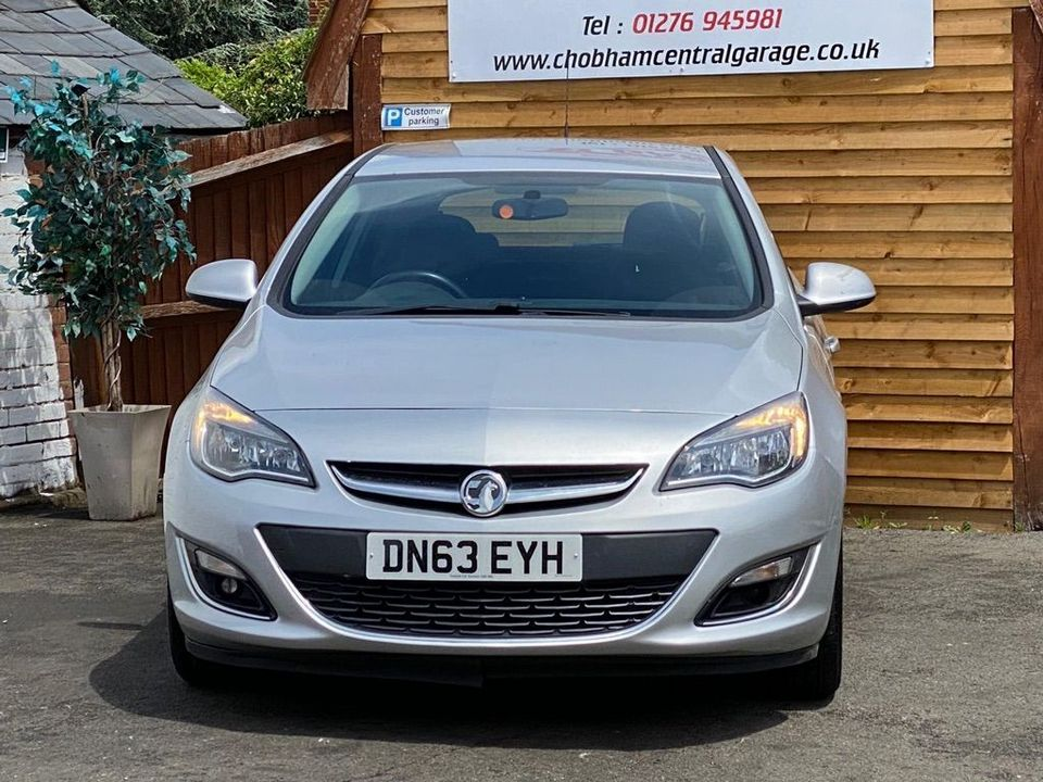 2013 Vauxhall Astra 2.0 CDTi ecoFLEX SRi (s/s) 5dr - Picture 4 of 35