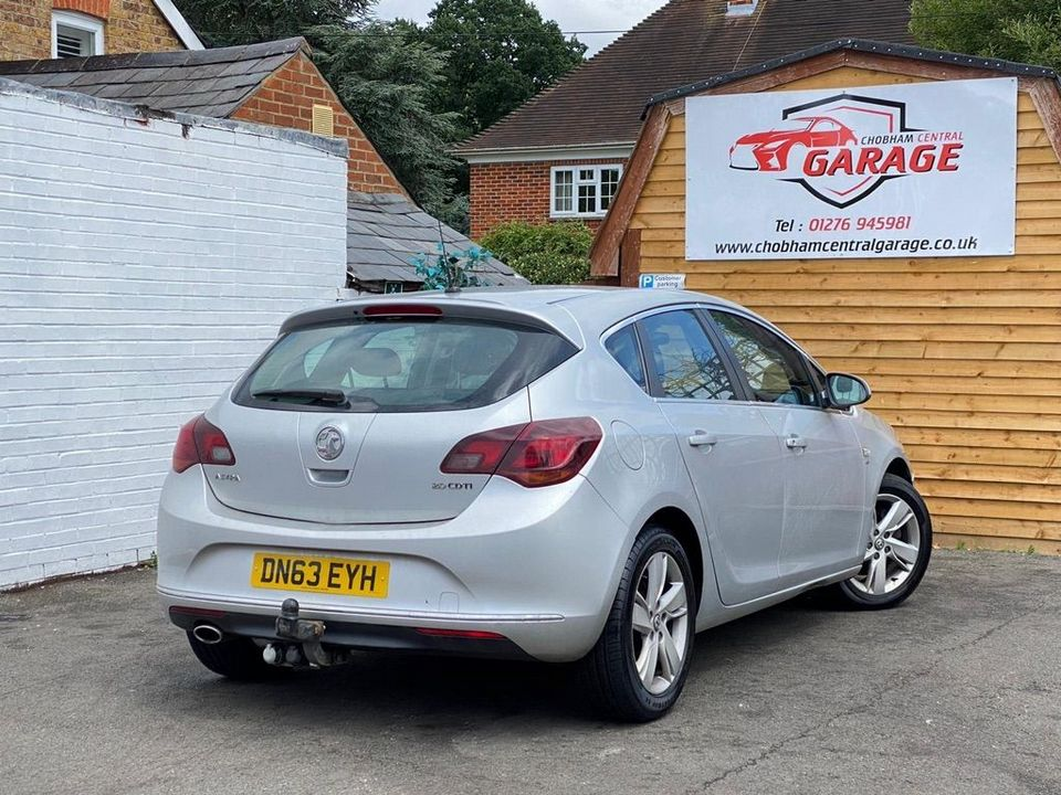 2013 Vauxhall Astra 2.0 CDTi ecoFLEX SRi (s/s) 5dr - Picture 11 of 35