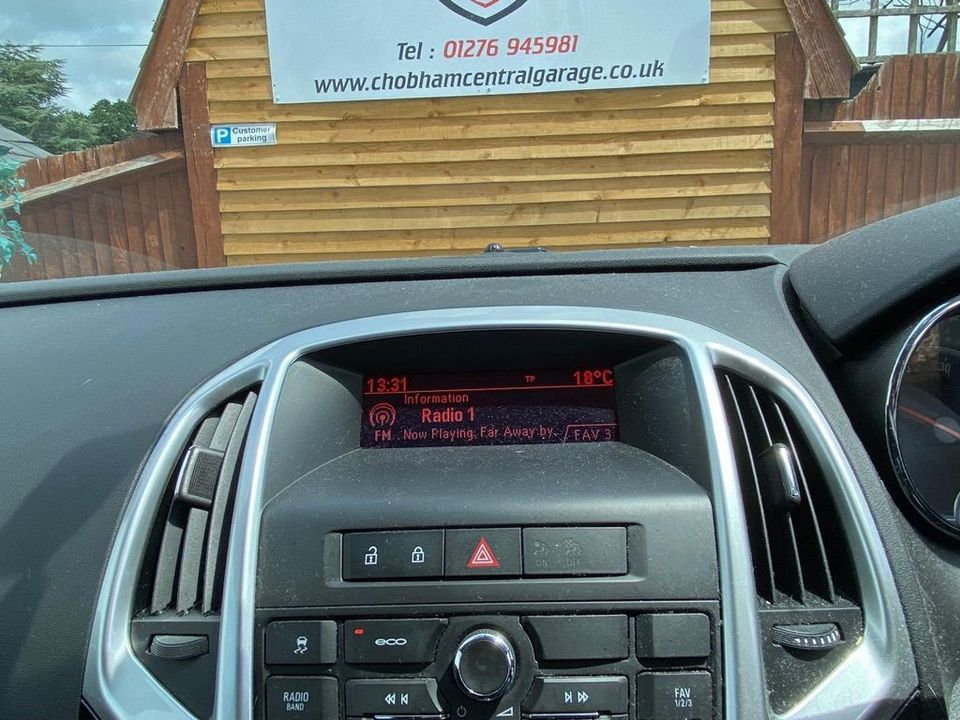 2013 Vauxhall Astra 2.0 CDTi ecoFLEX SRi (s/s) 5dr - Picture 24 of 35