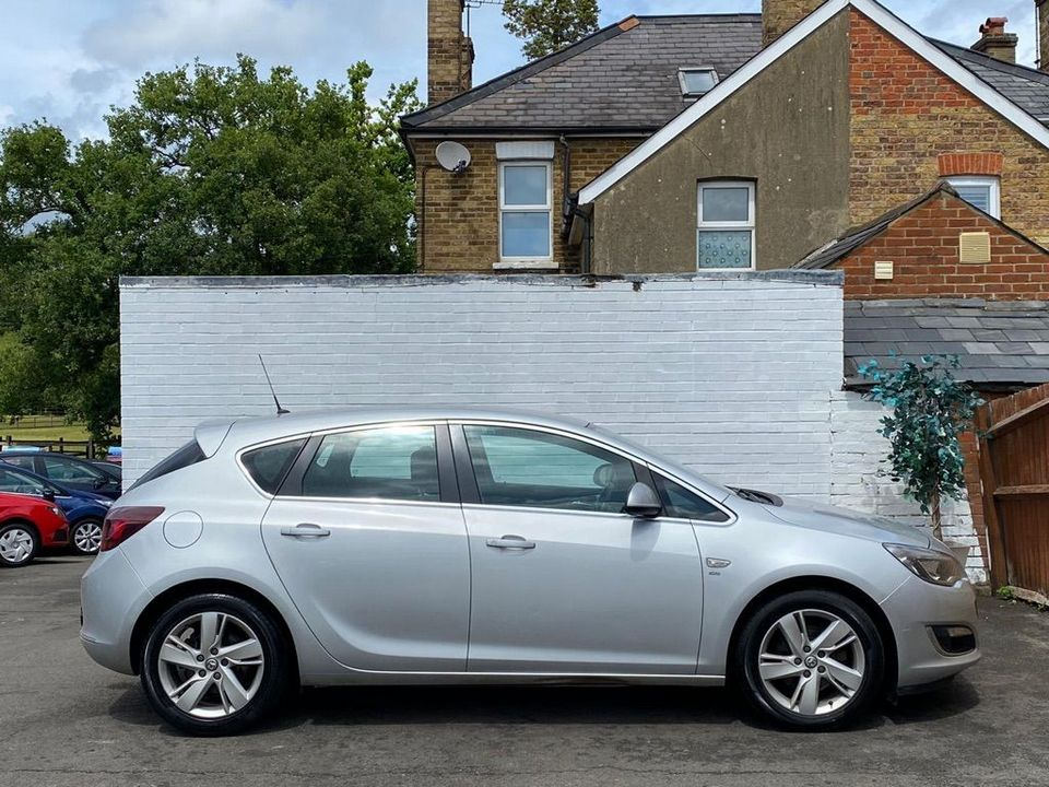 2013 Vauxhall Astra 2.0 CDTi ecoFLEX SRi (s/s) 5dr - Picture 8 of 35