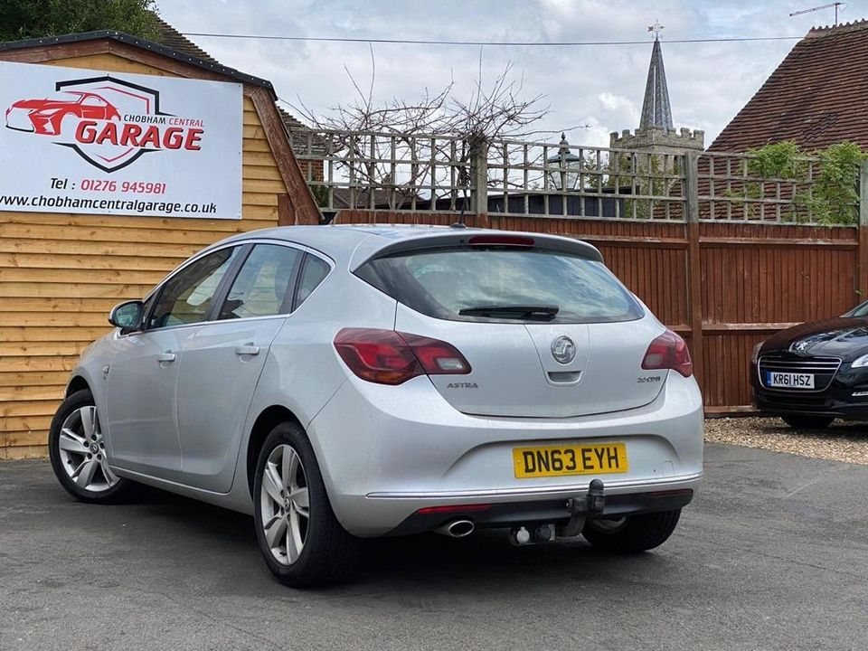 2013 Vauxhall Astra 2.0 CDTi ecoFLEX SRi (s/s) 5dr - Picture 9 of 35